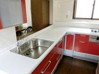 キッチンリフォーム 汚れにくく掃除のしやすさにこだわったキッチン