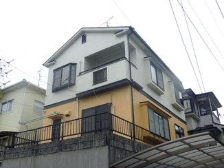 外壁・屋根リフォーム 外壁を塗り分けて明るく引き締まった印象の家に