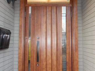 エクステリアリフォーム こだわりの玄関ドアは想像通りの仕上がりで大満足!