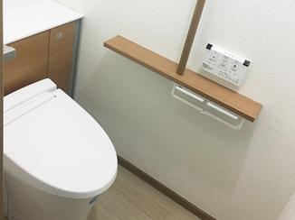 トイレリフォーム 仕上がりに大満足!内装もお洒落な節水トイレ