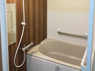 洗面リフォーム 壁面パネルでお手入れ楽ラク♪いつでも清潔なバスルーム
