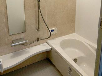 バスルームリフォーム 暖かく掃除がしやすい浴室