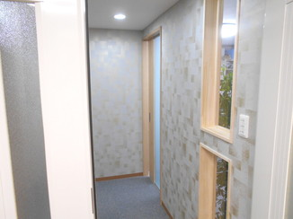内装リフォーム 圧迫感を出さずに間仕切り壁を取り付けた内装リフォーム
