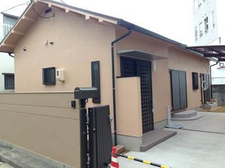 外壁・屋根リフォーム 老朽化した家をリフォームし、減築工事で駐車場を確保
