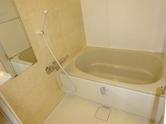 バスルームリフォーム 価格、機能面共に満足!快適になったお風呂とキッチン