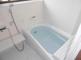 バスルームリフォーム 床の冷えも解消!暖かく冬場も安心な浴室