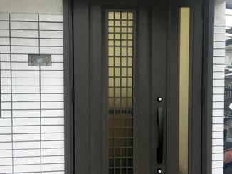 エクステリアリフォーム 採風式タイプで換気ができる玄関ドア