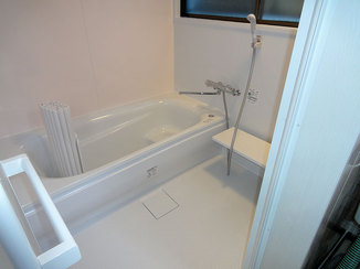 バスルームリフォーム 断熱材で暖かく快適に入浴ができる浴室