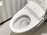 トイレリフォームストライプ柄クロスがおしゃれなトイレ空間